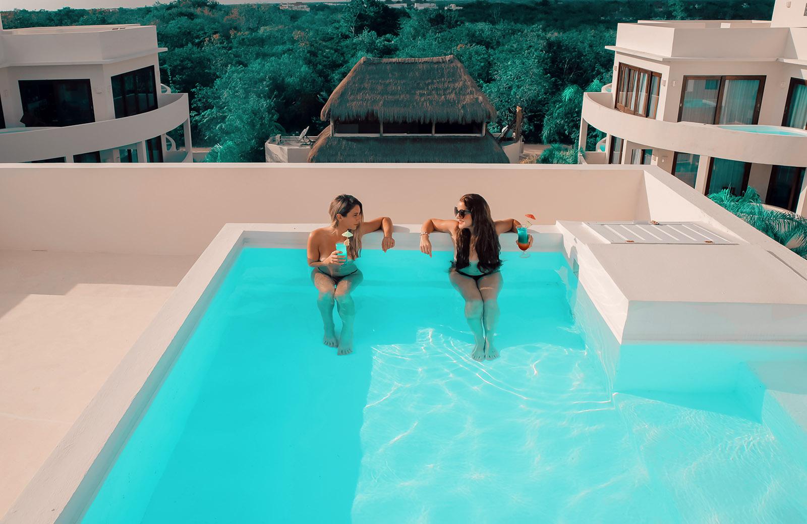 Intima-Hotel-Tulum-Resort-Optional-Clothing-Riviera-Maya-hotel-swimup